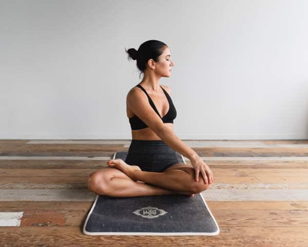 Yoga - 8638