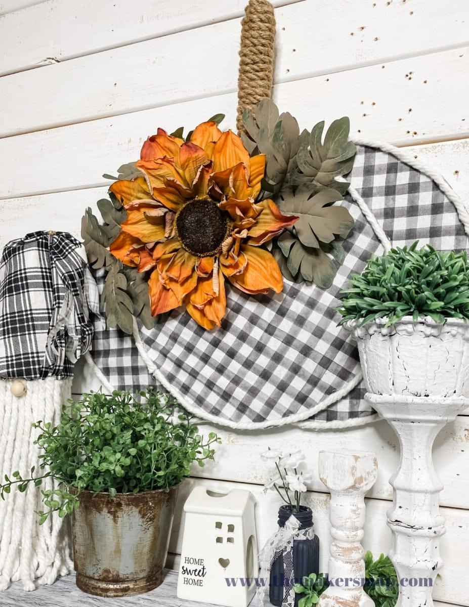 https://www.redfin.com/blog/wp-content/uploads/2020/10/Fall-DIY-Decor6.jpg