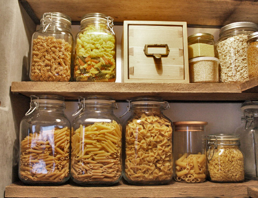 http://cdn.homedit.com/wp-content/uploads/2016/06/Storage-pasta-in-your-pantry.jpg