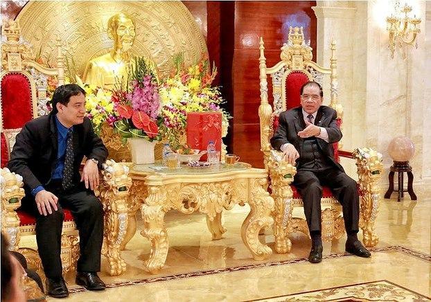 Image result for cán bộ  cs giàu sang