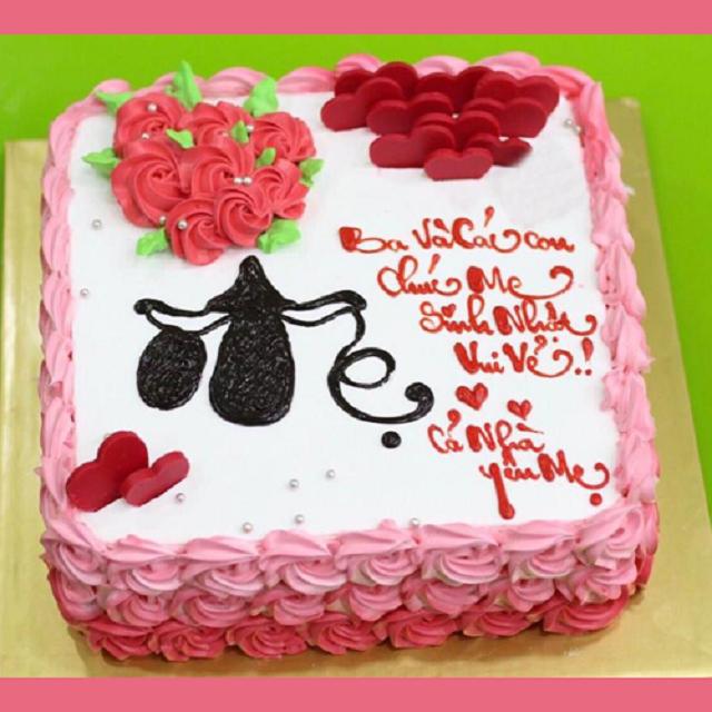 Bánh sinh nhật là món quà không thể thiếu trong ngày sinh nhật mẹ