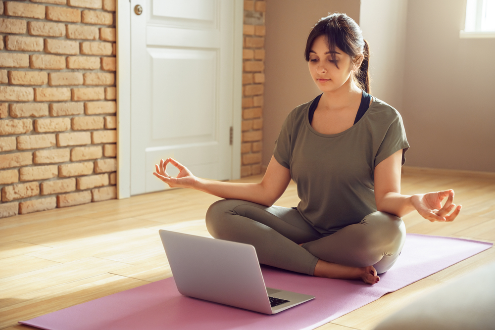 Meditação aparece em primeiro lugar entre as práticas de saúde mental usadas em aplicativos. (Fonte: Shutterstock)