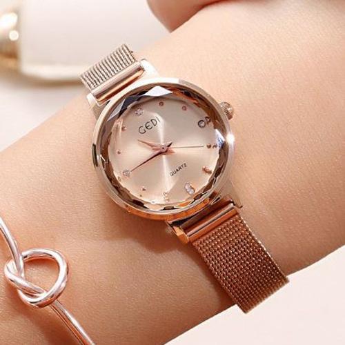 Đồng hồ nữ có thể nói nên phong cách của người sử dụng