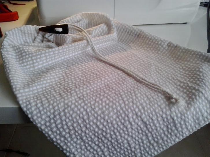 Aquí tenemos nuestra bolsa acabada y lista para guardar la merienda.