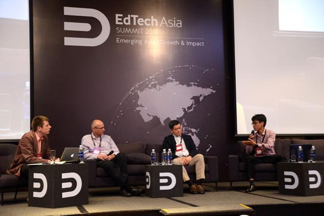 Ông Đoàn Thế Vinh - Trưởng phòng Nghiên cứu và Phát triển Công nghệ của Edumall thảo luận tại Edtech Asia Summit 2017.