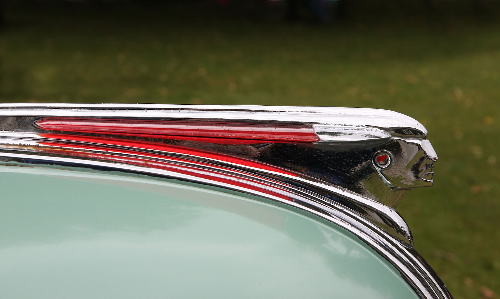 1948_Pontiac_motif_-_Flickr_-_exfordy