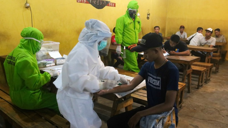 Where are the health workers? New data efforts aim to answer big coronavirus questions