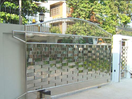 Cổng lùa tự động được cấu tạo bởi nhiều bộ phận khác nhau