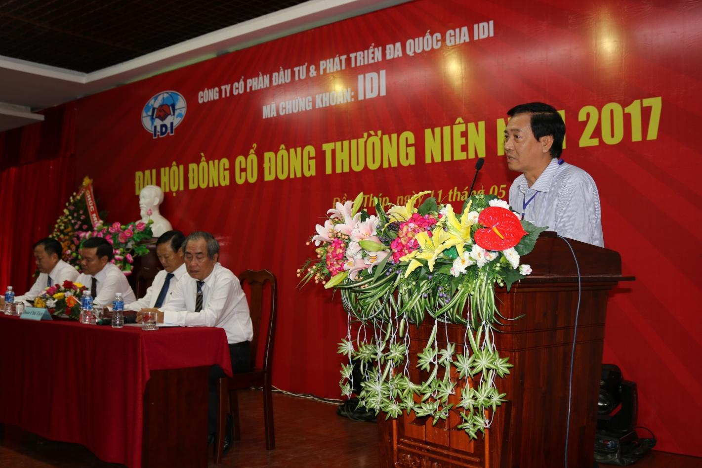4. Ông Nguyễn Tấn Sơn- Tổng giám đốc Công ty Cổ phần du lịch An Giang gửi lời chúc mừng đến Đại hội.JPG
