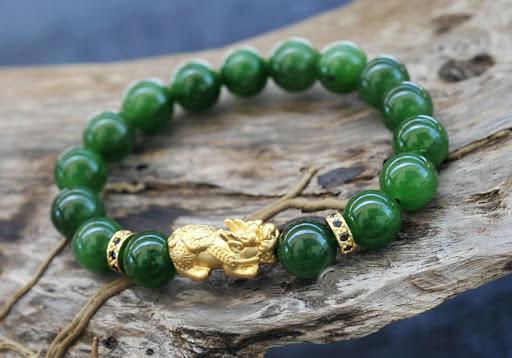Vòng tay đá Aventurine xanh giúp cân bằng tâm lý cho gia chủ mệnh Mộc