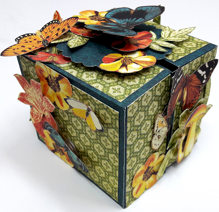 One Page Wonder Box, by Einat Kessler, Nature Sketchbook, Product by Graphic 45 photo 6.jpg