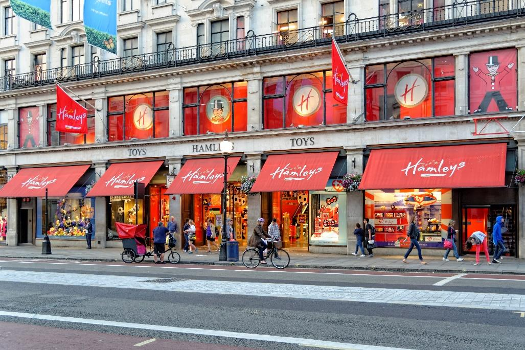 Shopping at Hamleys in London