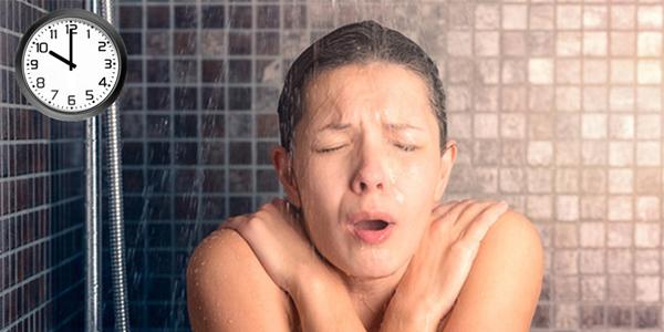 Không nên tắm sau 20 giờ