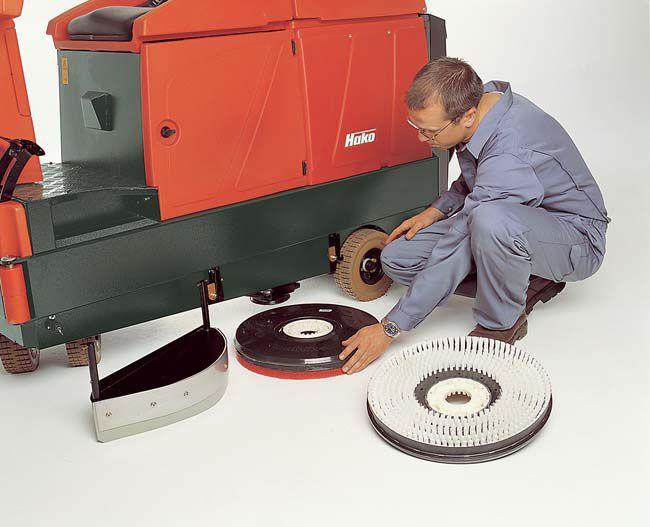 Trước khi sử dụng máy lau sàn công nghiệp bạn cần làm gì