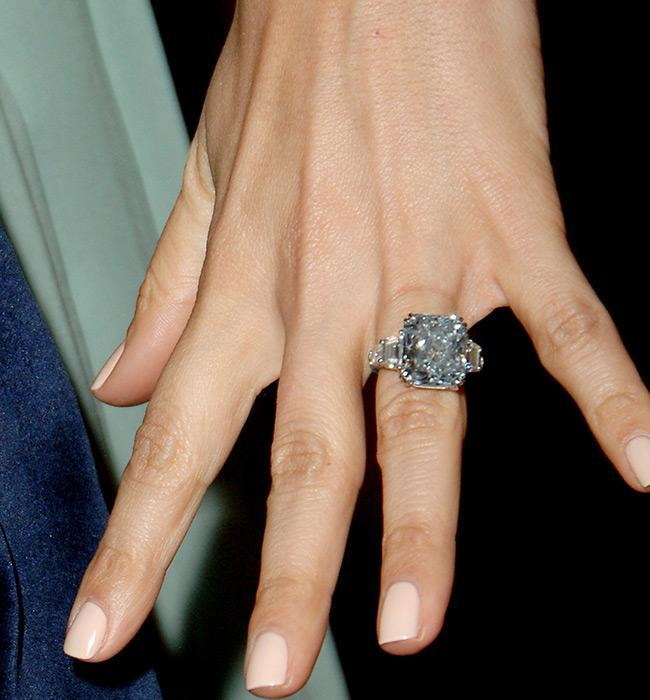 Jennifer Lopez Five Wedding/Engagement Rings and their Worth