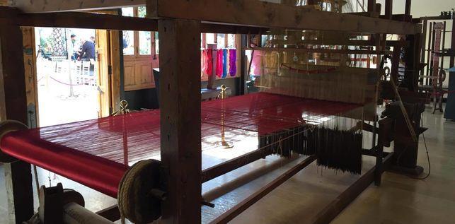 Uno de los telares del Museo de la Seda