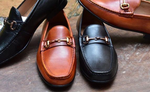 Bạn đang muốn tìm kiếm đơn vị bán sỉ giày da uy tín?