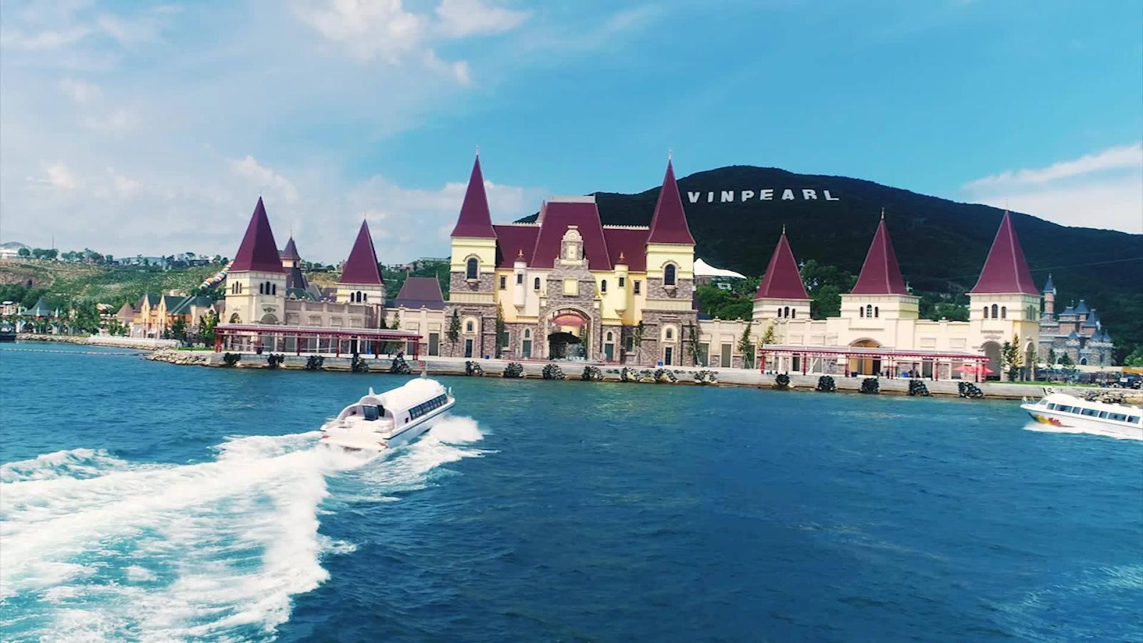 Vinpearl-Land-Nha-Trang-speed-boat