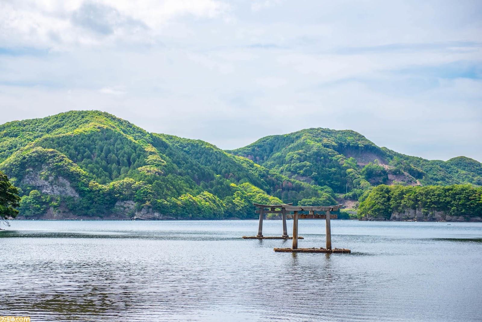 Portões Torii no Templo de Watatsumi