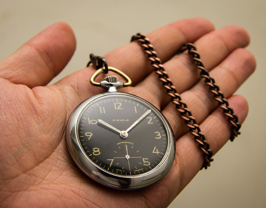 pocket-watch-in-hand.jpg