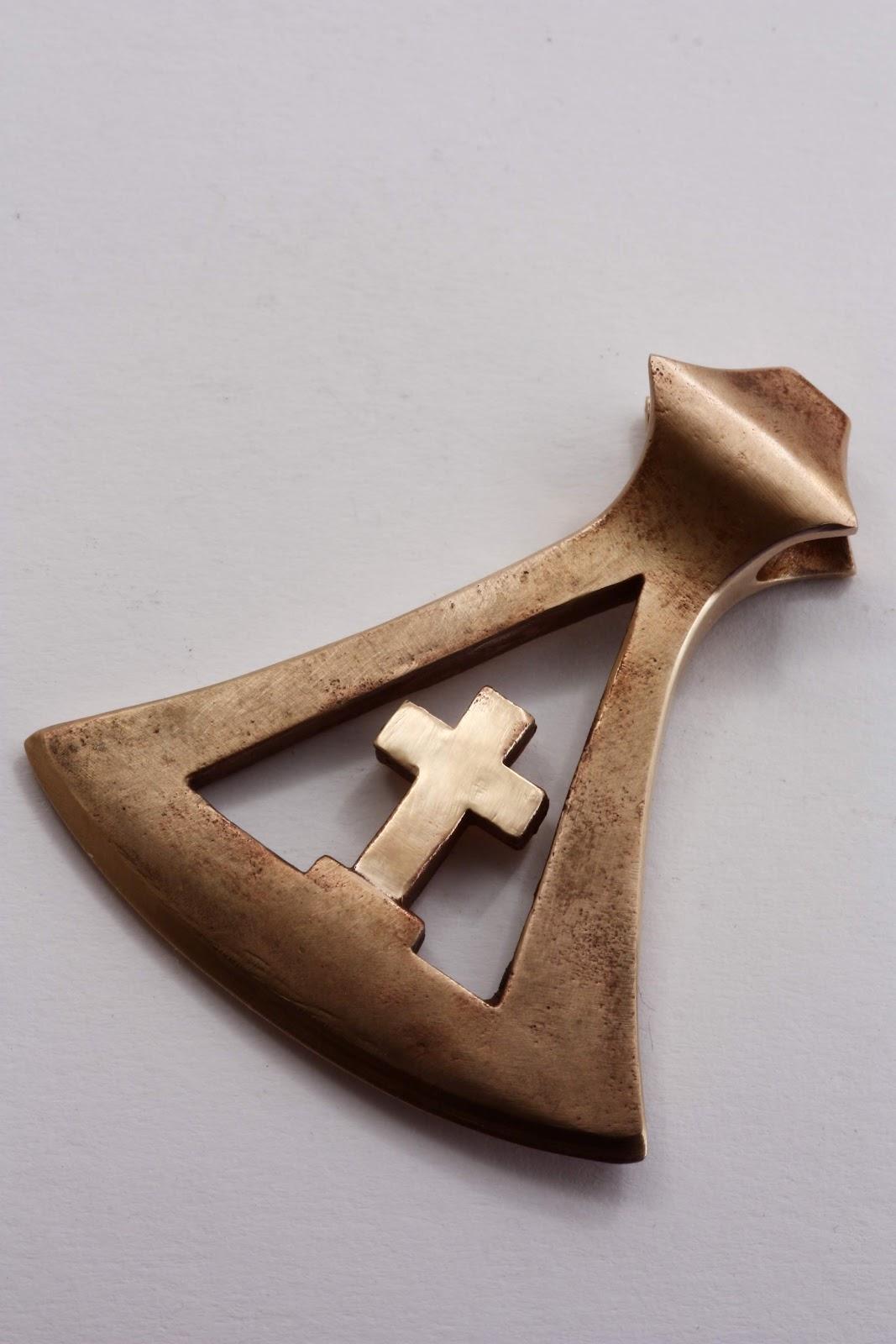 Die Kreuz Axt aus der Axt-Collection
