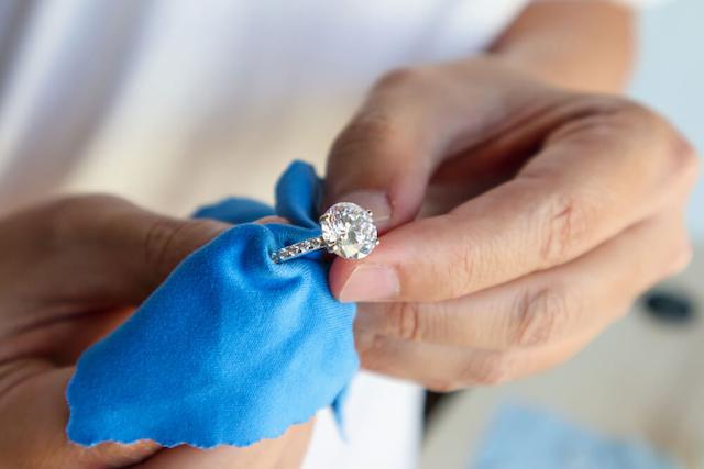 Các bạn nên tìm đến đơn vị cầm kim cương cung cấp lãi suất minh bạch