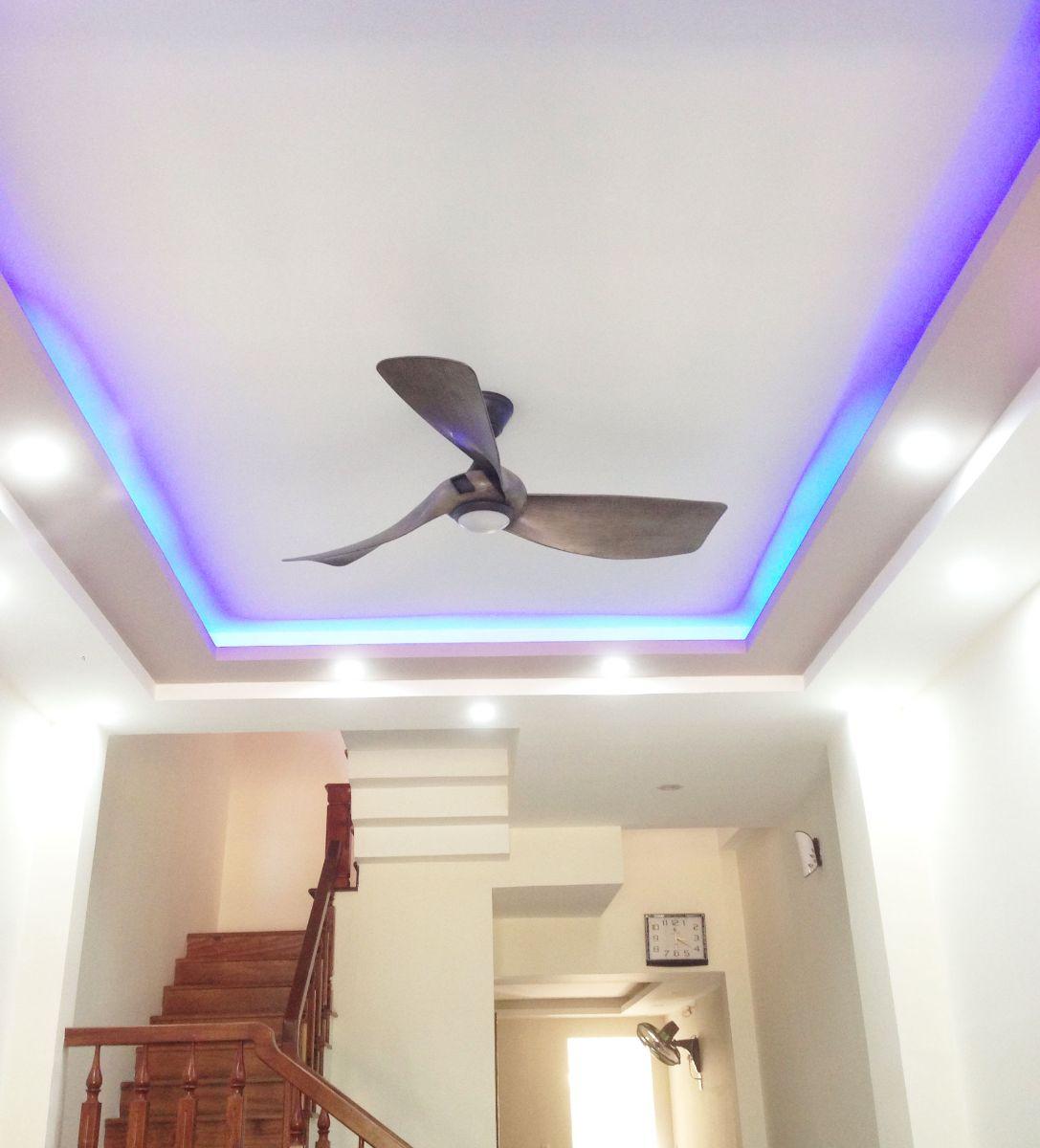 Quạt trần đèn trang trí giúp không gian căn phòng thêm đẳng cấp hơn