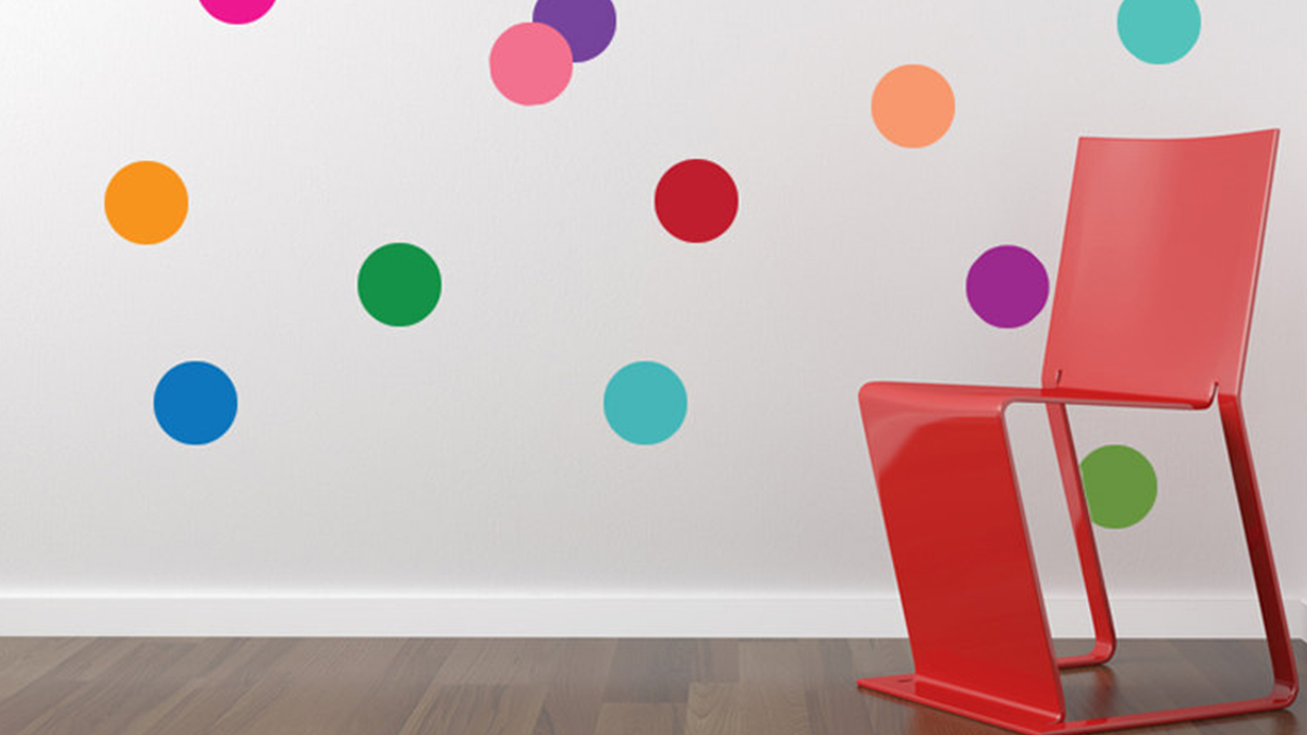 Colorful-wall-with-polk-dots.jpg