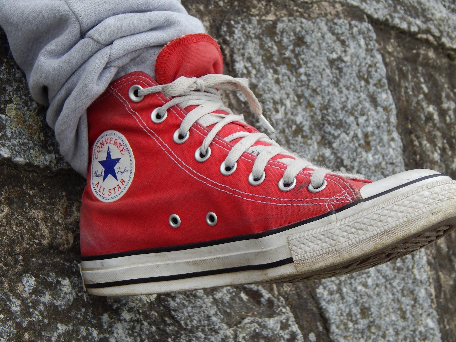 Hãy chọn y phục với màu sắc đẹp phù hợp với phối màu của đôi giày.