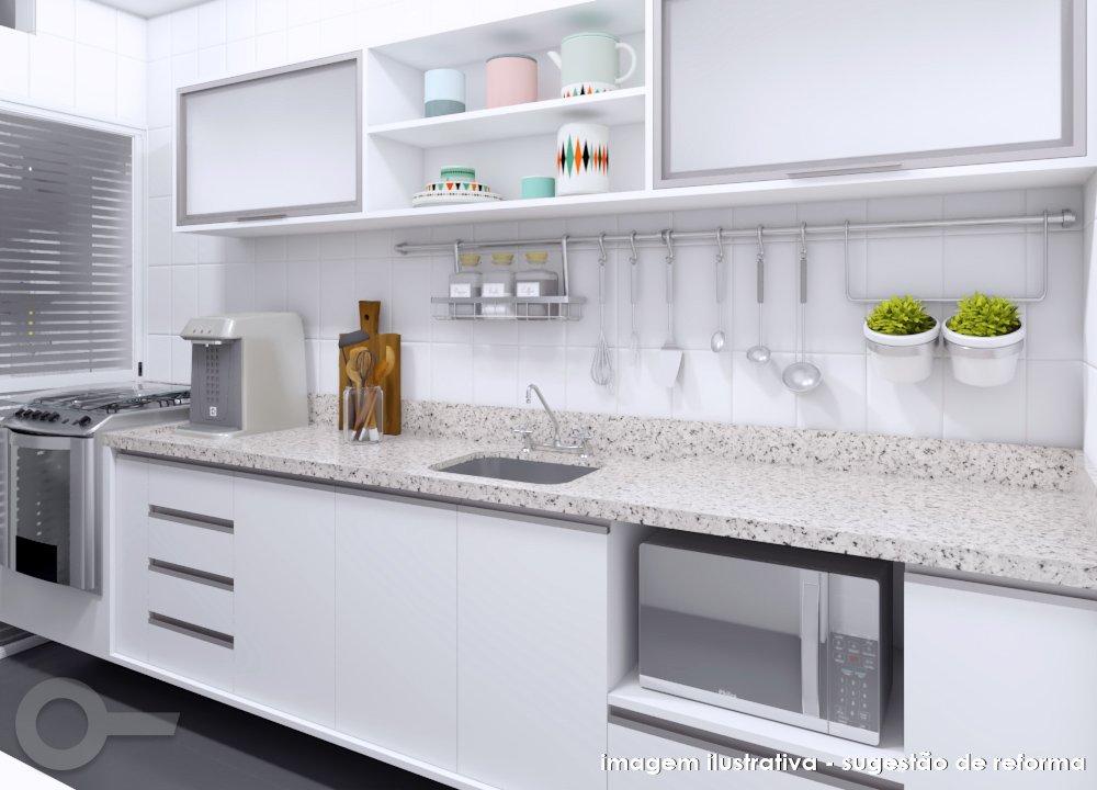 Cozinha linear em apartamento no tranquilo bairro de Moema