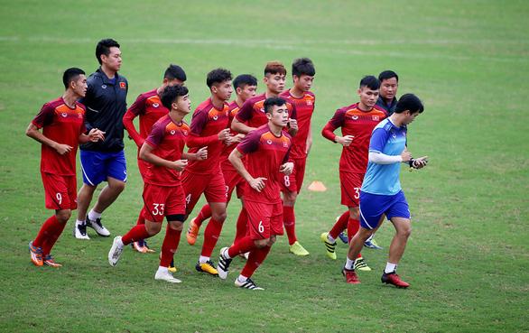 Việt Nam chờ ngày đối đầu Thái Lan