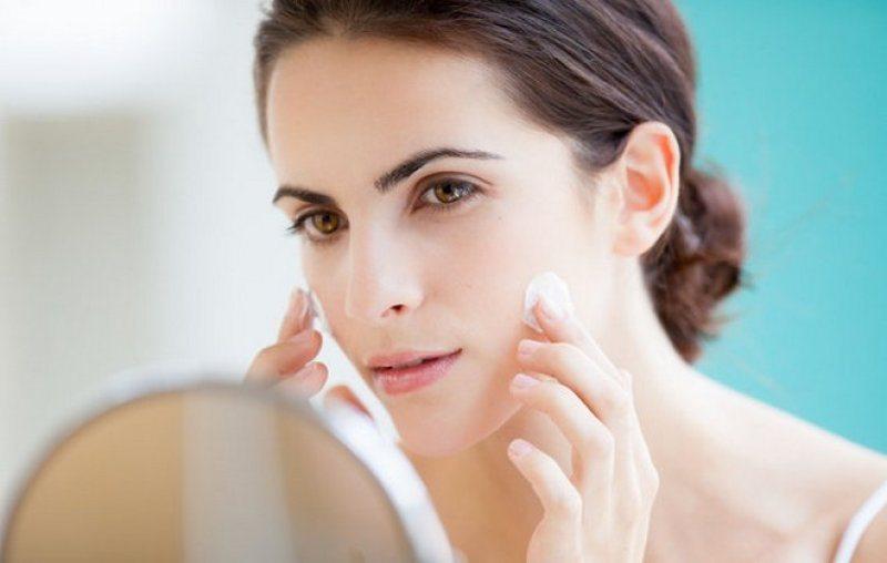 Sai lầm chăm sóc da khi sử dụng kem dưỡng ẩm