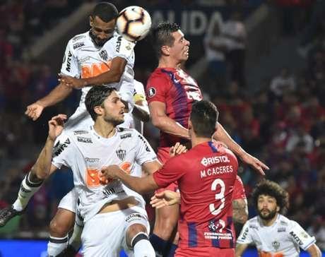 Nada no Galo funcionou diante do Cerro e agora terá de operar um pequeno milagre para ir às oitavas de final da Libertadores- NORBERTO DUARTE / AFP