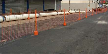 Fotografia do sistema de proteção de uma área em obras.