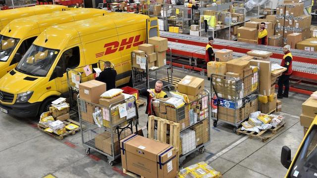 Gửi hàng đi Mỹ DHL có khâu kiểm định hàng nghiêm ngặt