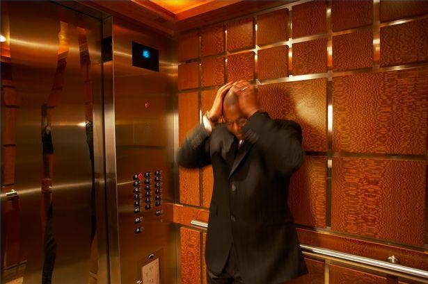 Trải nghiệm di chuyển với thang máy quá ồn sẽ khiến bạn rất khó chịu