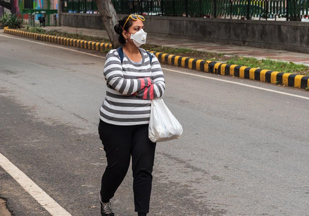 Durante a pandemia, a preferência por andar a pé aumentou significativamente. (Fonte: Shutterstock)