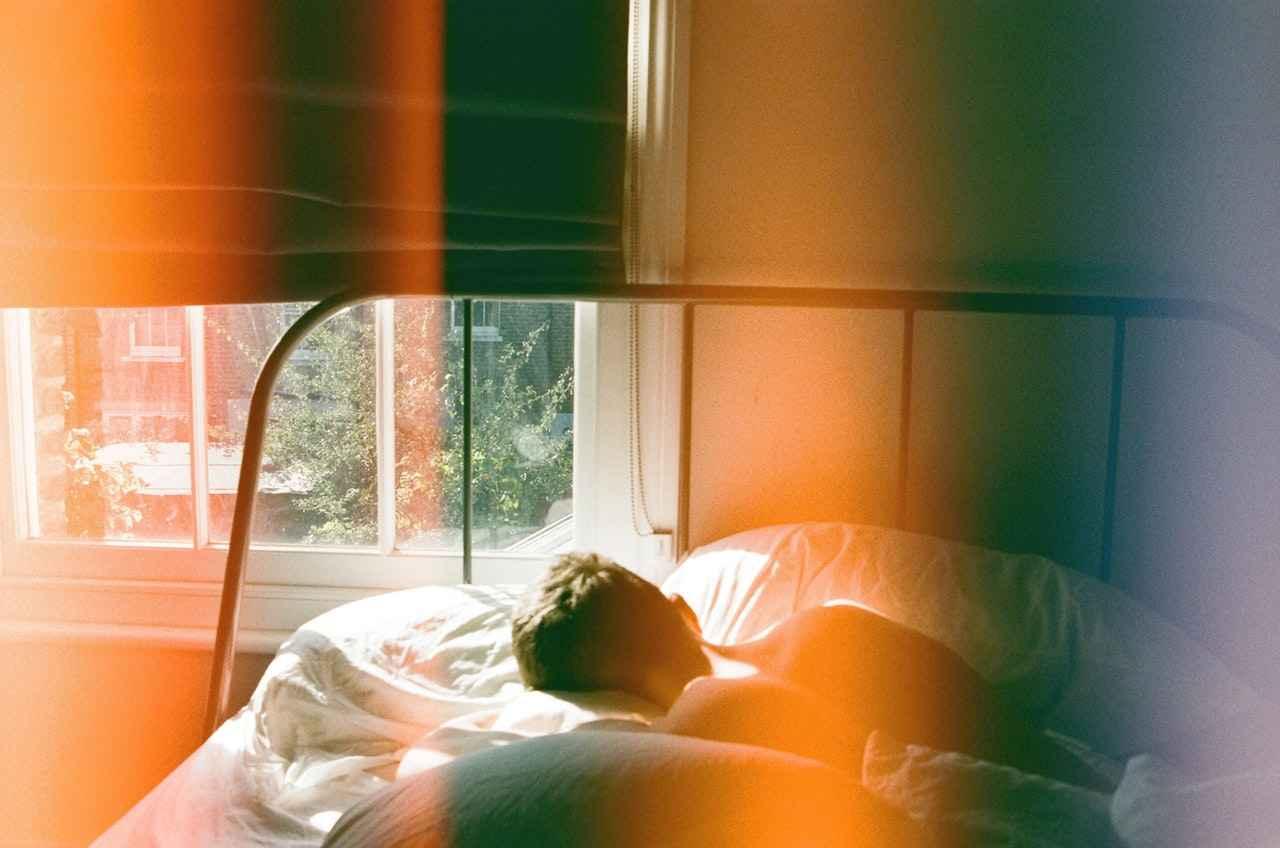 Dormir demais e atrasar é um comportamento mal visto, mas seria este o pior?