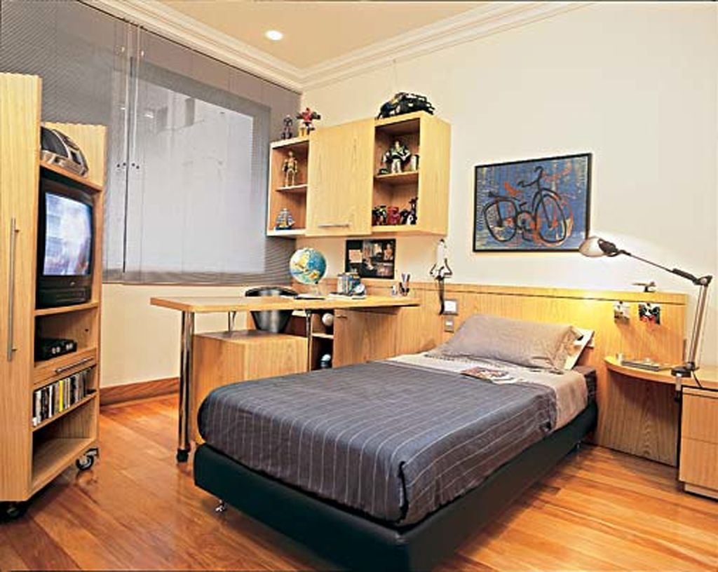 Use Old Items to Build Up Your Boy Bedroom Ideas
