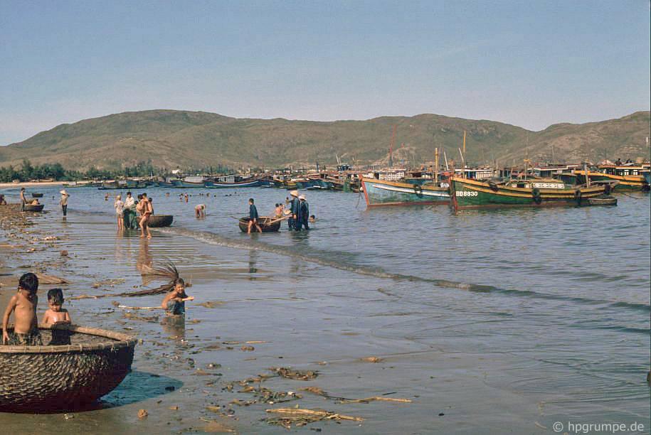 Qui Nhơn: tàu đánh cá