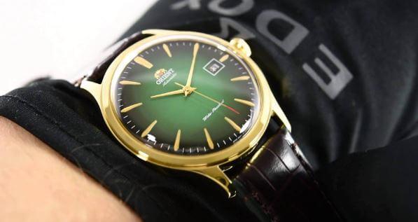 Nên chọn đồng hồ cơ hay pin?