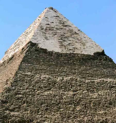 Đỉnh chóp kim tự tháp Khafra.