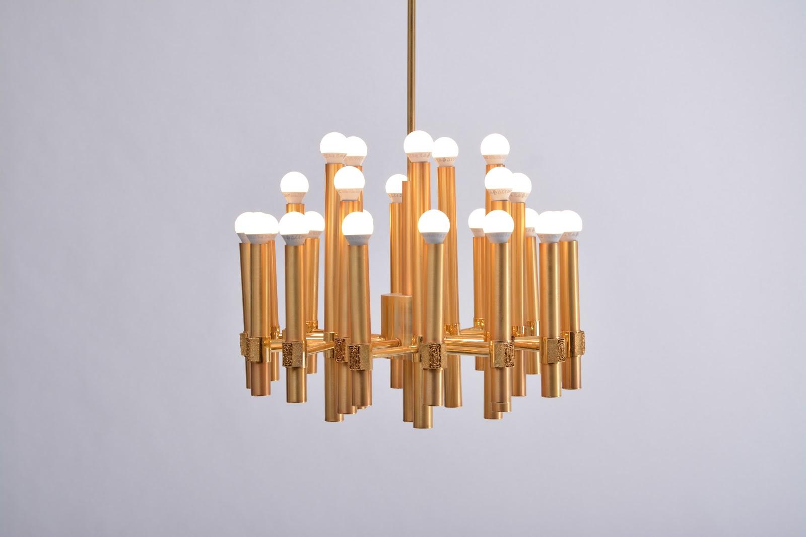 Use chandeliers to create zones | Vinterior