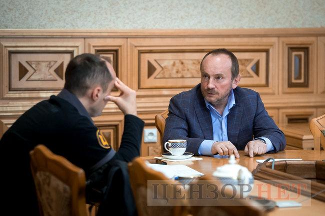 Глава Гостаможслужбы Павел Рябикин: Под санкции СНБО попала видимая часть айсберга контрабанды 06