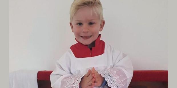 Cậu bé trong gia đình được chữa lành bệnh ung thư nhờ sự can thiệp của Thánh Padre Pio