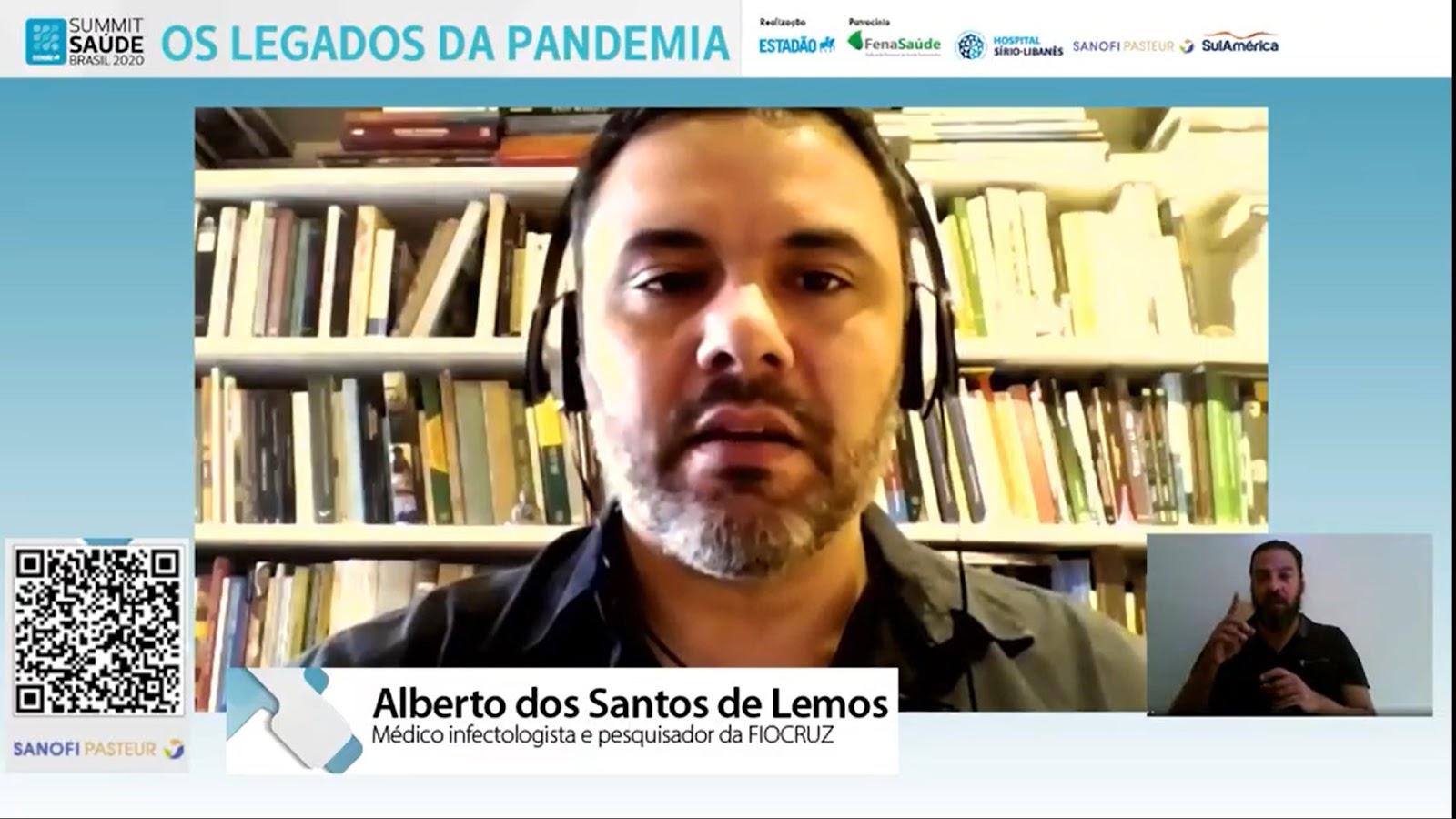"""""""A gente viu o ressurgimento do sarampo, que tínhamos controlado e retornou por nossa culpa, por não ter uma cobertura vacinal adequada"""", lembra Alberto dos Santos Lemos. (Fonte: Summit Saúde Brasil 2020/Reprodução)"""