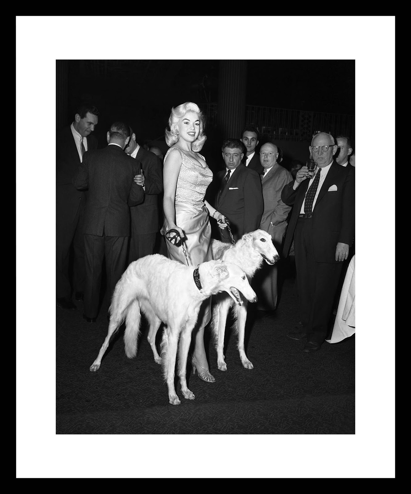 bk0009_-_jayne_mansfield_with_seagrams_dogs_resized.jpeg