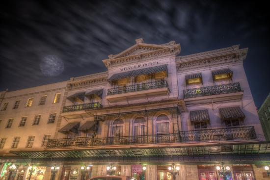 ../Desktop/the-menger-hotel-featured.jpg