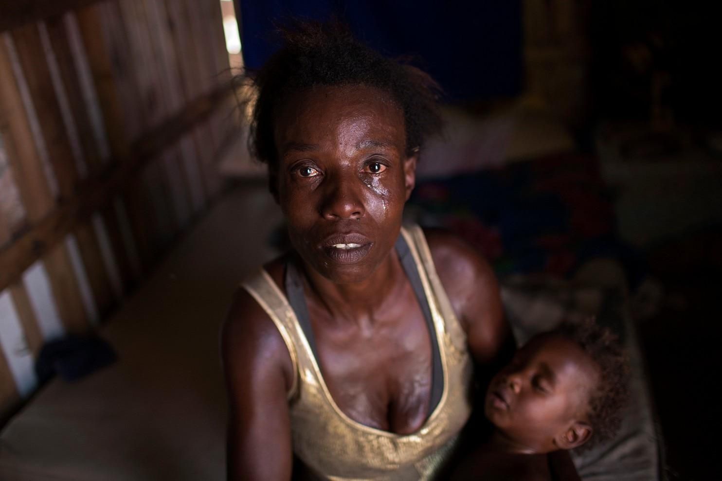 https://img.washingtonpost.com/rf/image_1484w/2010-2019/Wires/Online/2017-10-23/AP/Images/APTOPIX_Brazil_Returning_to_Poverty_09783.jpg-1bc38.jpg?uuid=TcW5pLenEeebk7lwQ-V6Ig