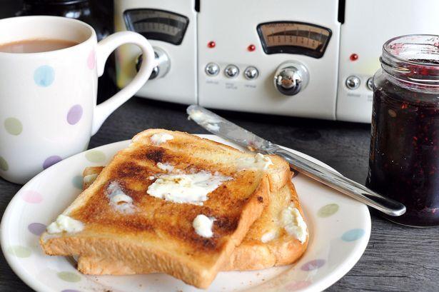 C:\Users\rwil313\Desktop\Tea and toast (chile breakfast).jpg